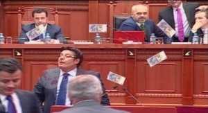 parlamenti shqiperise
