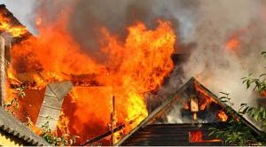 zjarr shtepia