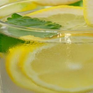 uji i ngrohtë me limon1
