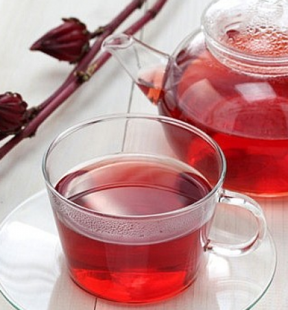 Përfitimet shëndetësore nga çaji i hibiskusit