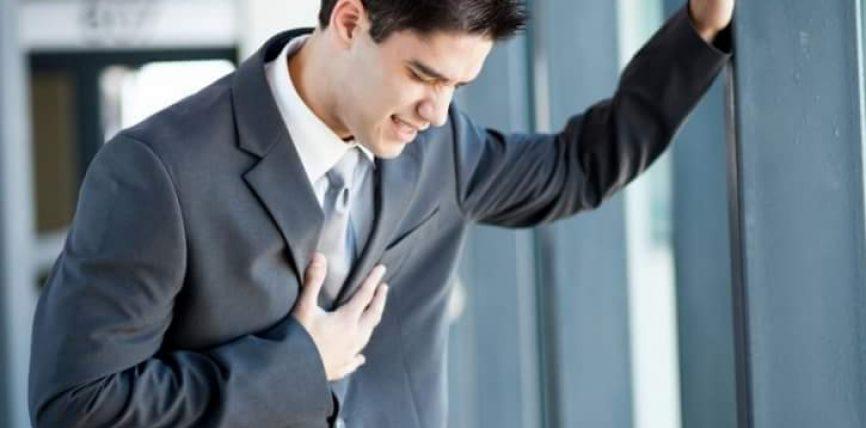 Në rast të infarktit i keni vetëm 10 sekonda ta shpëtoni veten!