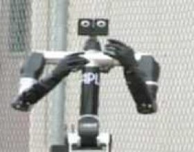 Robot me tipare njeriu