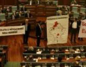 Parlamenti i Kosovës mbështet marrëveshjen me Serbinë