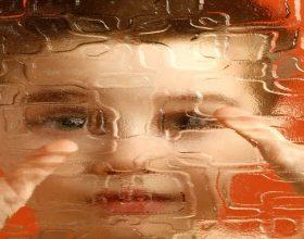 Autizmi – simptomat, shkaktarët dhe trajtimi