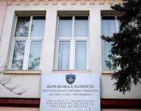 Ministria e Shëndetësisë nënshkroi vendimet për trajtimin e 6 fëmijëve me leukemi