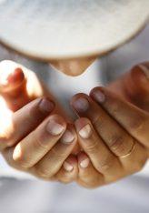 Çdo njeri që e godet ankthi dhe pikëllimi, e më pas e lut Allahun me këto fjalë,Allahu do t'ia largojë ankthin dhe pikëllimin e tij dhe do t'ia zëvendësoj me gëzim