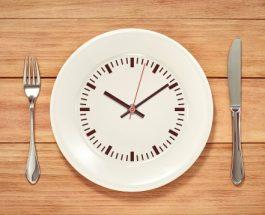 Agjërimi i vazhdueshëm, ndihmon në humbje të peshës