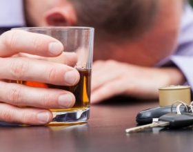 ALKOOLI, BIXHOZI, IDHUJTË DHE FALLI: