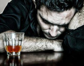 Alkooli,shkaktar i drejtpërdrejtë i shtatë llojeve të ndryshme të kancerit