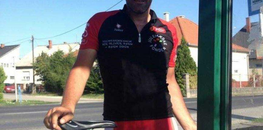 Aventurieri tetovar nga Kopenhaga, me biçikletë drejtë vendlindjes