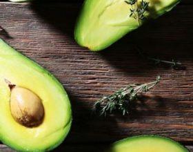 Si ta konsumojmë avokadon, frutin që ka 20 vitamina