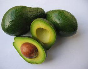 Avokado, patëlxhani dhe dardha janë të domosdoshme për shëndetin e mitrës së gruas