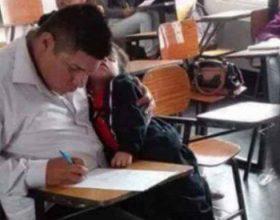 Një baba jep provimin me foshnjen në krah, më pas ndodh diçka rrënqethëse…
