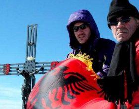Flamuri shqiptar në majën më të lartë të Zvicrës