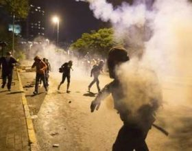 """""""Zaman"""": Të huajt me pasaporta diplomatike i kanë nxitur në dhunë demonstruesit në Turqi"""