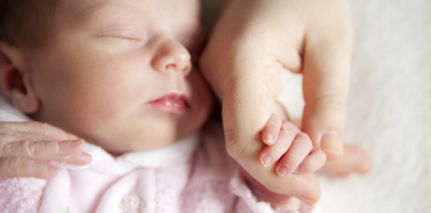 9 këshilla bazike për nënat lidhur me ushqyerjen e foshnjeve