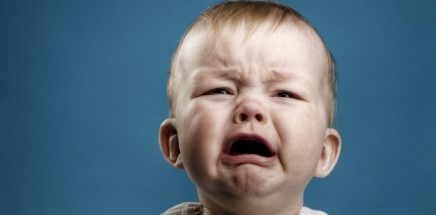 Dhimbjet e forta të barkut tek bebet!