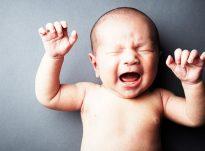Shkaku i të qarit të fëmijës gjatë lindjes