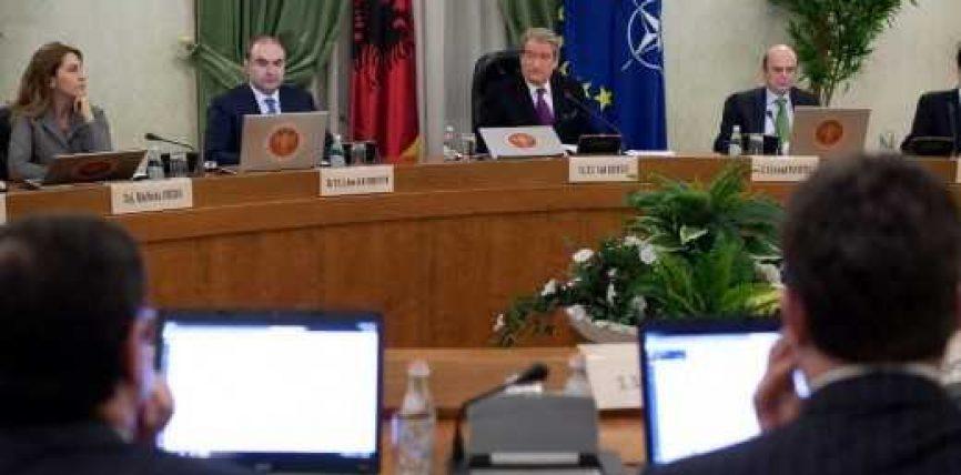 Berisha dorëzon karriken, ja historiku i qeverisjes 8-vjeçare