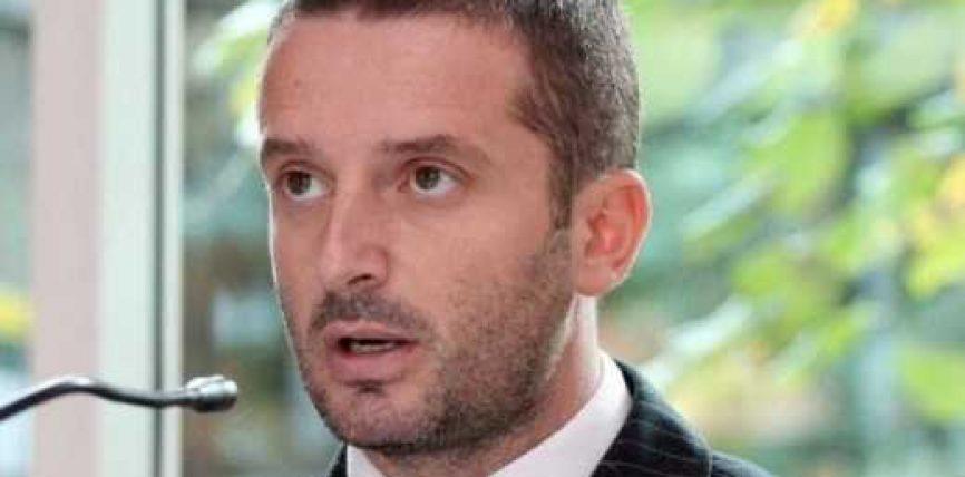 Braçe: Ministrat në largim po zhvasin zyrat e shtetit
