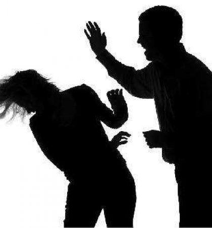 Burri im është temperament dhe më rrah, por është i dashur, ç'të bëjë?
