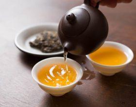 Ankthi dhe stresi, çaji antidepresiv me kamomil dhe lule bliri