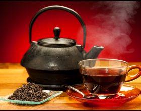 Tri gota çaj të zi çdo ditë ulin tensionin e gjakut dhe e ruajnë zemrën