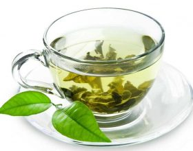 Çaj i gjelbërt me limon