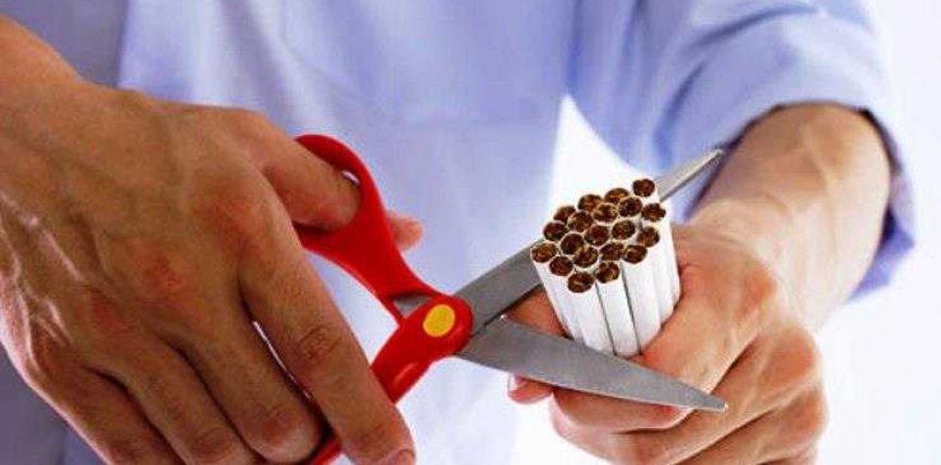Përse disa njerëz trashen kur lënë duhanpirjen ?