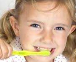 Faktorët që dëmtojnë dhëmbët