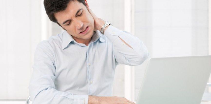 8 Këshilla për të shmangur dhimbjet në qafë