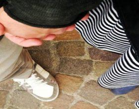 Doni të jeni burrë i mrekullueshëm, bëjini këto 10 gjëra për gruan tuaj