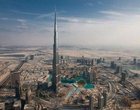 50 vende pune te lira ne Dubai (EBA)