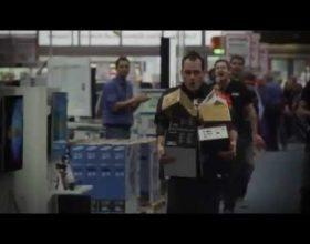 Për 150 sekonda nxjerr cka të mundesh nga dyqani elektronik