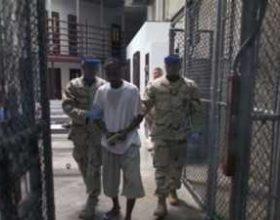 Guantanamo: Të burgosurit në grevë të urisë për shkak se rojet përdhosën Kuranin