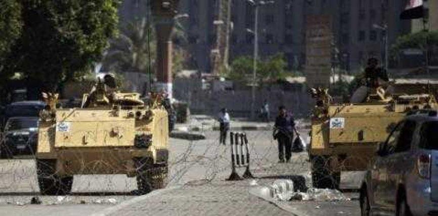 Egjipt, grusht shteti sulmon mbështetësit e Mursit