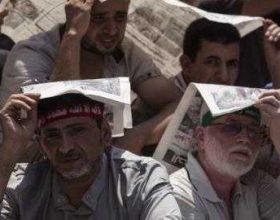 Egjipt, Protestuesit bllokohen në një xhami të Kajros