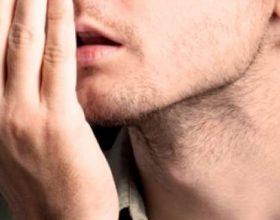 Si të largoheni erën e keqe të gojë në mëngjes?