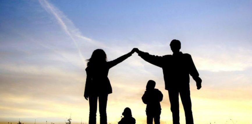 7 shprehje që nuk duhet t'i thuhen bashkëshortit në prani të fëmijëve