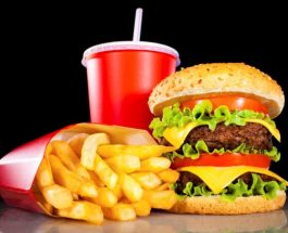 """Rreziku që vjen nga ushqimet """"Fast Food"""""""