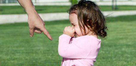 """""""10 fjalë që shkatërrojnë fëmijën tënd"""""""