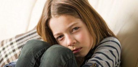 Fëmija juaj pëson dhunë, ndërkaq ju nuk jeni të vetëdijshëm: Shtatë shenja shqetësuese!