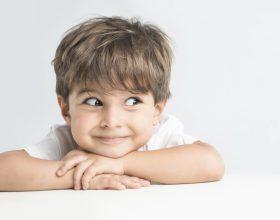A e bën dashuria e tepërt të llastuar një fëmijë?