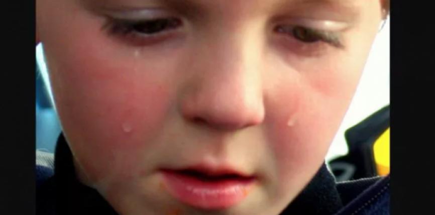 Psikologët paralajmërojnë prindërit: Nëse njihni ndonjë fëmijë që shfaq këto shenja, ndihmojini sa më shpejt ato
