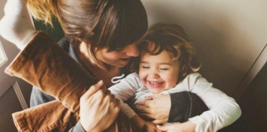Këshillat e psikologëve: 10 Mënyrat më të mira si të jeni prindërit më të mirë në botë