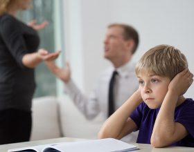Mos u grind me bashkëshortin në prani të fëmijëve!