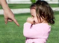 Rrahja i shkakton fëmijëve sëmundje mendore