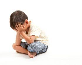 Mësojini fëmijët të mos kenë zili