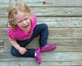 Si të sillesh me fëmijën inatçi?