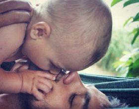 A guxojmë t'i puthim fëmijët në buzë?!